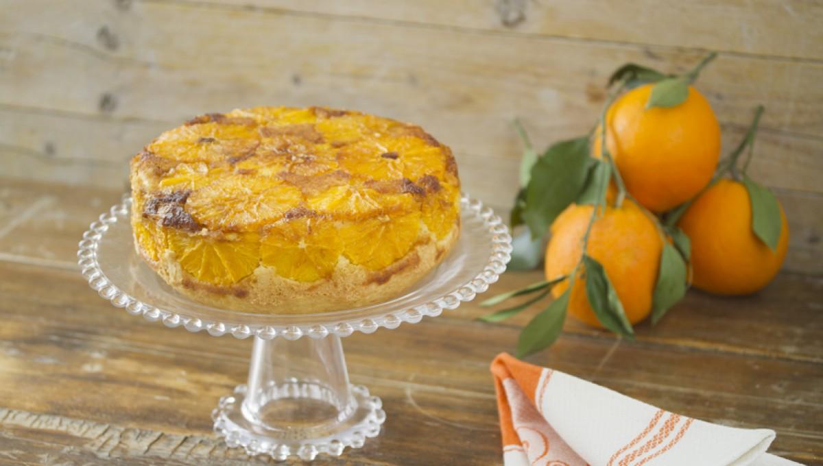 Bizcocho con naranjas caramelizadas