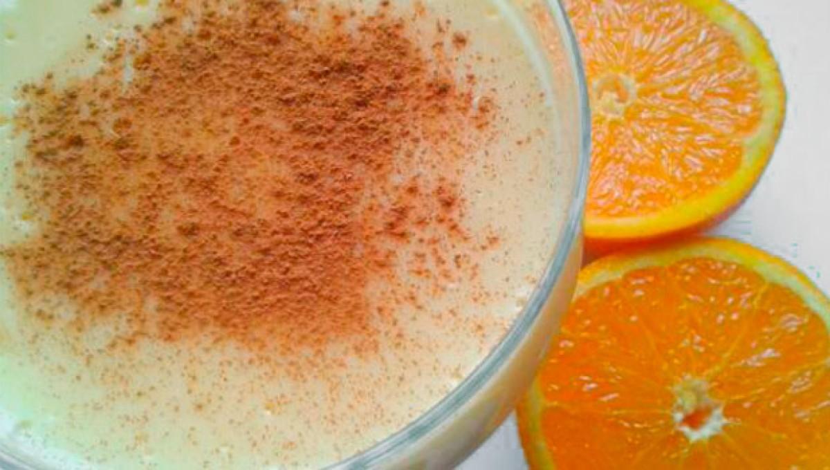 Natillas caseras hechas con zumo de naranja